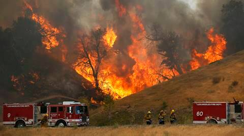 Santa Clarita, Los Angeles Wildfire, Los Angeles, Wildfire in LA, news, world news,
