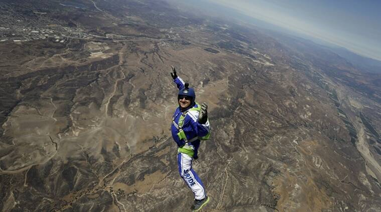 USA skydiver Luke Aikins jumps from 25000 feet without parachute, creates history