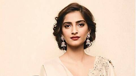 Sonam Kapoor, Veere Di Wedding, Sonam Kapoor look in Veere Di Wedding, Veere Di Wedding starcast, Sonam Kapoor movies, Sonam Kapoor upcoming movies, Sonam Kapoor latest news, entertainment news