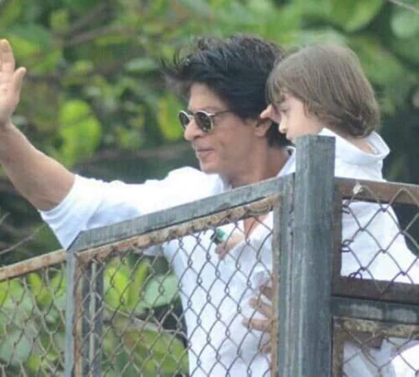 Shah Rukh Khan, SRK, Eid, Eid al-Fitr, SRK Son, AbRam, SRK Son AbRam, SRK AbRAm Mannat, Shah Rukh Khan son, Shah Rukh Khan son abram, SRK Abram Eid, Entertainment