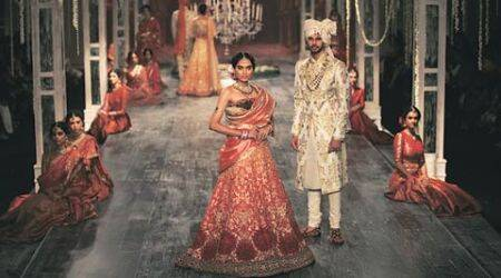 Tarun Tahiliani, Tarun Tahiliani show, Tarun Tahiliani collection, India Couture Week 2016, icw 2016, icw tarun tahiliani, Manjari Chaturvedi, fashion news