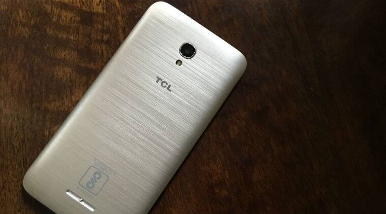 TCL 560, TCL 560 review, TCL smartphone, TCL 560 price, TCL specs, TCL 560 launch, TCL 560 features,  technology news