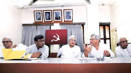 CPI(M) leadership trying to walk middle path to avoid split