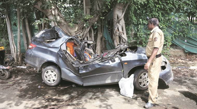 accident, mumbai accident, vile parle accident, accident in vile parle, youth dead, car accident, youth dead in car accident, mumbai, mumbai news, indian express news