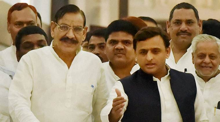 Lucknow : Uttar Pradesh Chief Minister Akhilesh Yadav  arriving to attend monsoon session of Vidhan Sabha in Lucknow on  Monday. PTI Photo by Nand Kumar   (PTI8_22_2016_000136B)