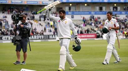 Pakistan dominate England on Day 2, end on strong note
