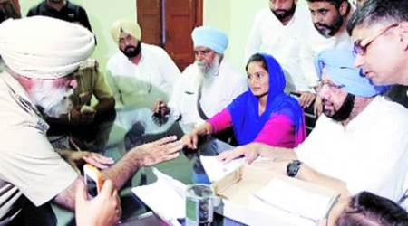 Capt Amarinder Singh storms into police station after party worker complains