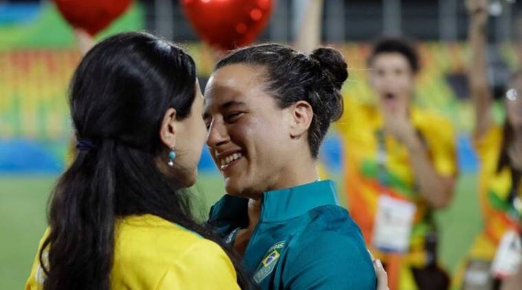 5 Marriage Proposals At The Rio Olympics That Have Set Our Hearts