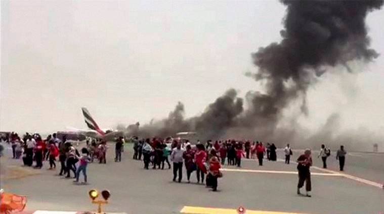 emirates crash, emirates flight crash, emirates flight, dubai airport, dubai, dubai crash landing, dubai airport, dubai plane crash, emirates plane crash, emirates, emirates crash landing, dubai news