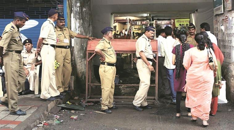 lalbaugh, lalbaugh woman beaten, mumbai women beaten, ganesh chaturthi, ganesh festival, nandini goswami, nandini goswami beaten, indian express news, mumbai news