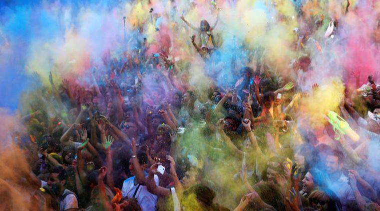 hoil, hoil festival, holi in egypt, Egyptian version of Holi, Holi celebration, Holi celebration in Egypt, Holi celebration around the world