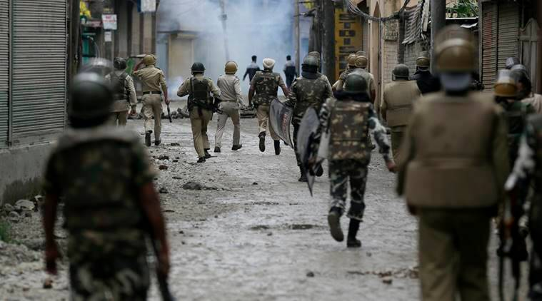 Kashmir Clash, Srinagar clash, Srinargar strikes, Jammu and Kashmir, hizbul, burhan wani, separatists leaders, section 144, indian express news
