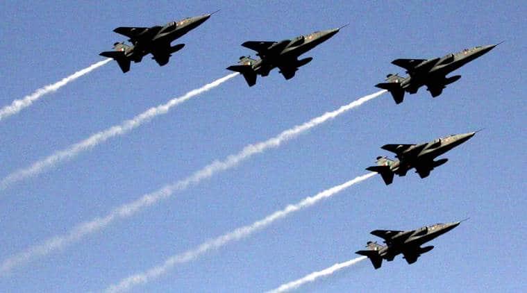 jaguar, indian airforce, indian airforce jaguar plane., iaf aircraft, iaf jaguar catches fire, delhi jaguar iaf plane catches fire, jaguar iaf plane catches fire pilot safe, delhi news, iaf news, indian airforce news, indian express, india news