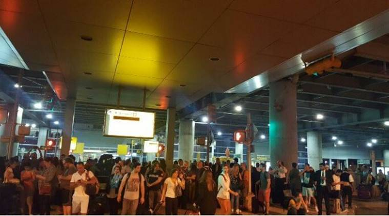 new york airport shooting, new york airport shots, jfk airport, john f kennedy airport shooting, world news