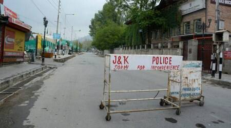 Kashmir, kashmir unrest, valley unrest, valley violence, transport, transport suspended, buses, rail, suspended, J&K, jammu and kashmir, india news, indian express