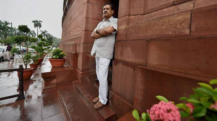 Kirti Azad drops hints of contesting 2019 Lok Sabha polls on Congress ticket