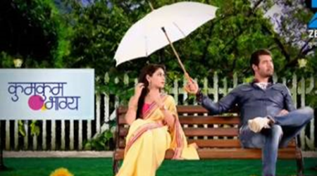Kumkum Bhagya 7th October 2016 full episode written update: Abhi and Pragya share a romantic moment