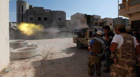 Libyan forces corner Islamic State fighters in Sirte