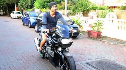 Sushant Singh Rajput is the biker boy as Sanjay Dutt is seen with his twins