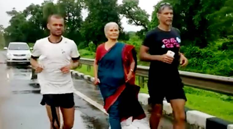 milind soman mom running, milind soman mom, milind soman, usha soman, the great india run marathon, milind soman ironman, ironman, pinkathon