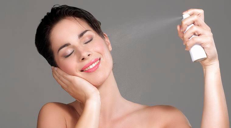 A home-made mist can be very effective for keeping skin health, fresh and acne-free. (Source: Thinkstock Images)