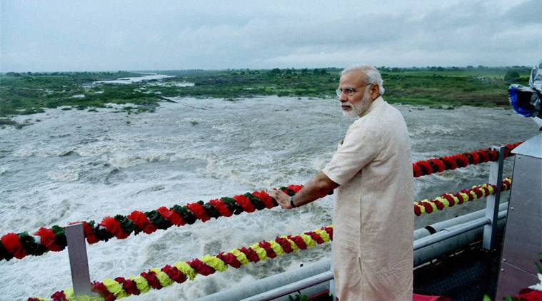 Jamnagar: Prime Minister Narendra Modi at AJI-3 dam site of the project, in Jamnagar district, Gujarat on Tuesday.PTI Photo/PIB(PTI8_30_2016_000039B)
