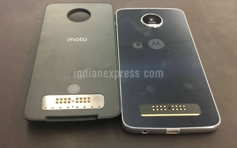 Lenovo Moto Z Play is a budget version of Moto Z launched earlier this year. It comes with support for MotoMods