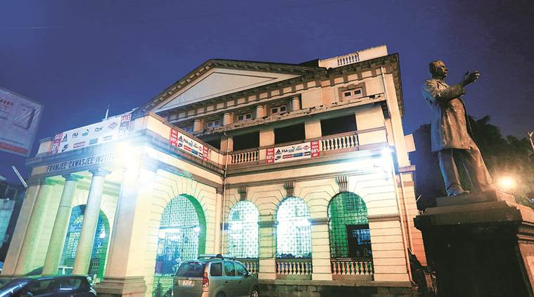 The heritage structure stands, elegant and serene, despite the everyday mundaneness of the discount sales and exhibitions hosted in the hall. Nirmal Harindran