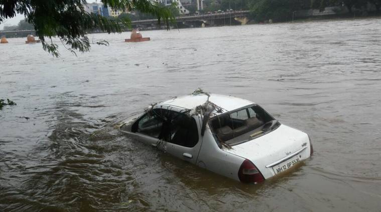 Over flowing Mutha river in Pune as the water released from Khadakwasla dam due to the incessant rains . (Source: Express video by Arul Horizon)