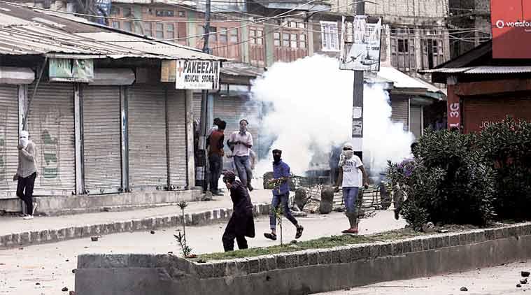 kashmir, kashmir clashes, kashmir news, fresh kashmir clashes, kashmir protests, kashmir protest deaths, kashmir latest news, india news