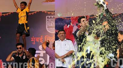 Watch Ranbir Kapoor at the celebration of football themed Dahi Handi