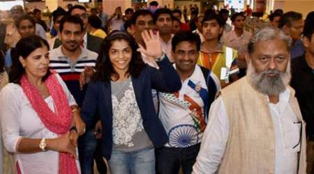 Sakshi Malik, Sakshi Malik haryana, sakshi malik award, sakshi malik cheque, sakshi malik crore, sakshi malik village, sakshi malik olympics, sakshi malik bronze medal, sports, sports news