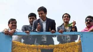 PV Sindhu, Pullela Gopichand felicitated on return toIndia