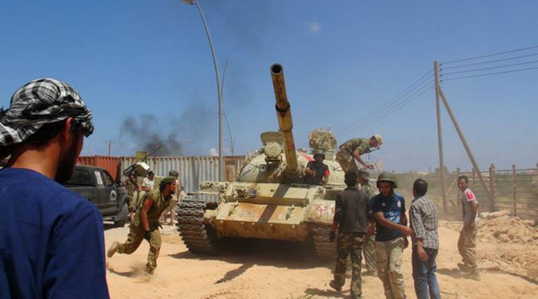Libyan forces allied with the U.N.-backed government prepare to capture university buildings during a battle with IS fighters in Sirte, Libya, August 10, 2016. Picture taken August 10, 2016.  REUTERS/Stringer EDITORIAL USE ONLY. NO RESALES. NO ARCHIVE.