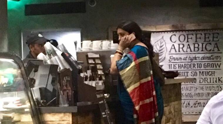 Smriti Irani drops by Starbucks sans security, leaves the internet impressed