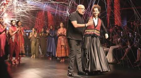 Tarun Tahiliani, designer Tarun Tahiliani, India designer, India designer Tarun Tahiliani, Fashion, Fashion and designing, Lakme fashion week, Kangana Ranaut, Mrinalini Mukherjee, Handloom, fashion news