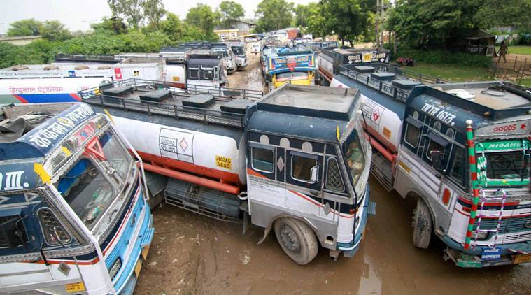 Truckers, Insurance Regulatory and Development Authority of India, IRDAI, Truck Strike, Truckers Protest, Indian Express, Indian Express News
