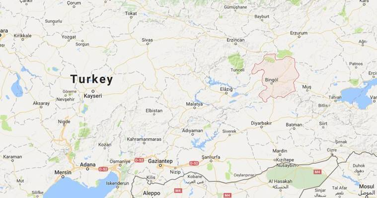 Auto bomb attack in Turkey kills 5 police officers