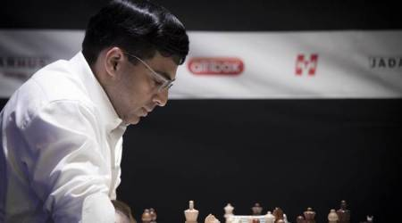 Viswanathan Anand starts badly in St. Louis Rapid