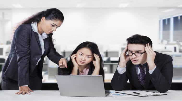 middle managers, middle managers problems, middle managers courses, Key Challenges of Middle Managers, office job, office problem, solve office problem, boss irritating, work place