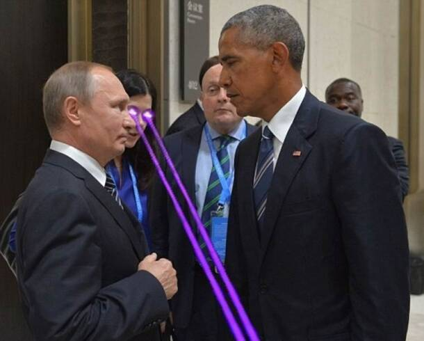 Barack Obama and Vladimir Putin's brief 'death stare' at G20 summit gave rise to a photoshop battle you won't get over