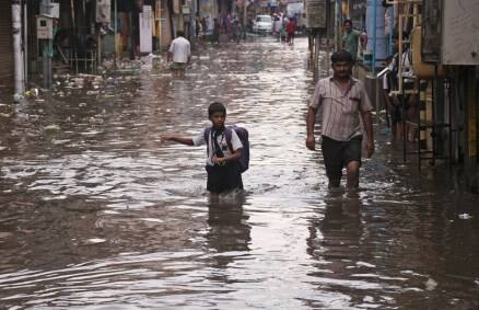 Hyderabad: Incessant rains bring normal life to standstill, high alert sounded