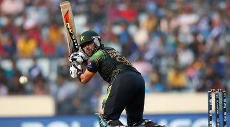 PCB serve notice to Umar Akmal for not reporting spot-fixingapproach