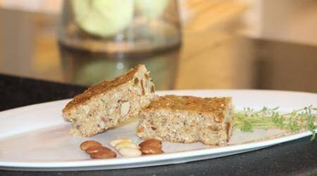 Stay fit with this delicious yet healthy Almond Granola Bar recipe