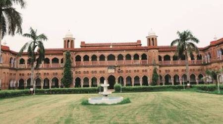 aligarh muslim university, amu, amu student, amu student death, dengue death amu, india news, uttar pradesh news