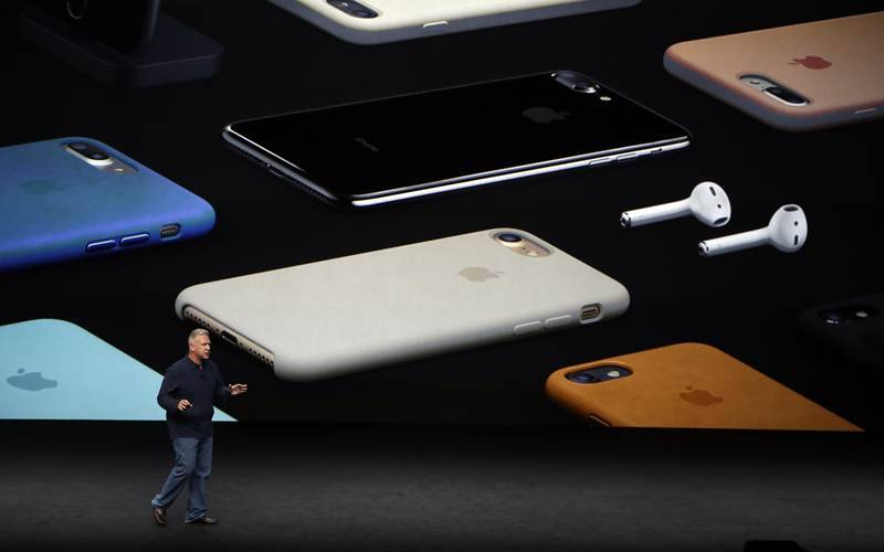 Apple, iphone, iphone 7 review, iphone 7 new review, iphone 7 reports, iphone 7 plus review, iphone 7 specs, iphone 7 features, iphone 7 price, ios10, smartphones, technology news, indian express