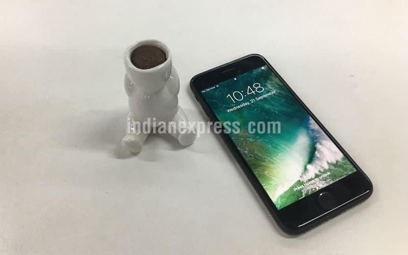 Apple iPhone 7, iPhone 7 review, iPhone 7, iPhone 7 review full, iPhone 7 pre-booking, iPhone 7 sample, Apple iPhone 7 camera sample, iPhone 7 jet black pre-booking, iPhone 7 Pre-booking, iPhone 7 pre-booking in India