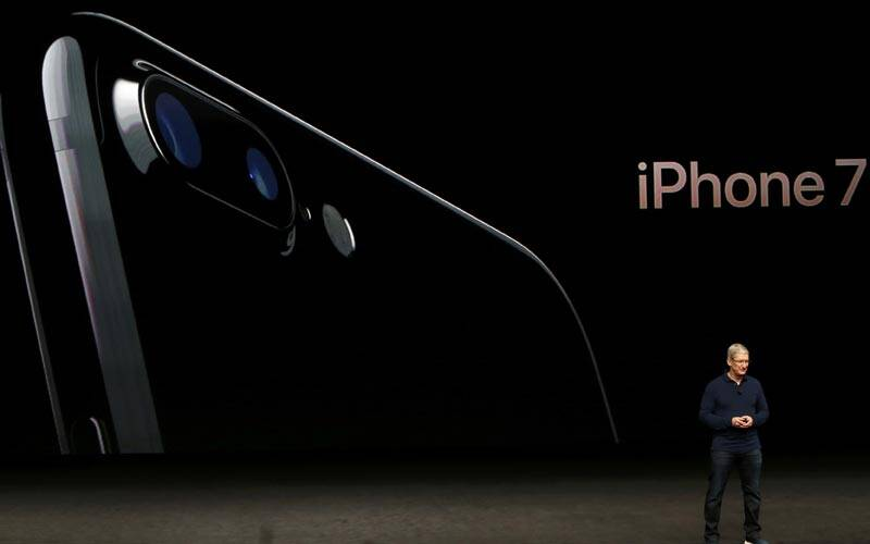 Apple, Apple iPhone 7, iPhone 7, iPhone 7 warranty, iPhone 7 liquid damage, Apple iPhone 7 water-resistant, Apple water-resistance explained, Apple iPhone 7 Plus India Price, iPhone 7 price, iPhone 7 warranty terms