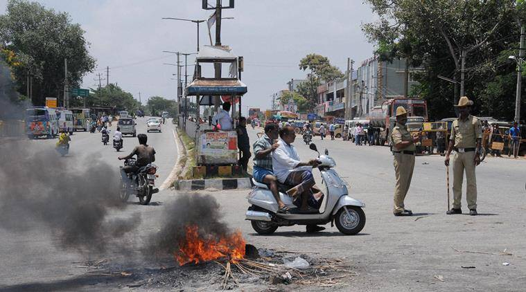Mysuru: A scene at a road following a protest by Kannada activists against the Supreme Court's verdict on Cauvery water issue in Mysuru on Thursday.PTI Photo (PTI9_8_2016_000196A)
