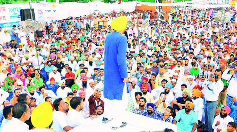 AAP, youth Akali workers come to punches at Malout rally